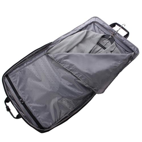 ≪ace. フレックスライト フィット≫ 冠婚葬祭に。スーツの持ち運びに便利なガーメントケース 54563