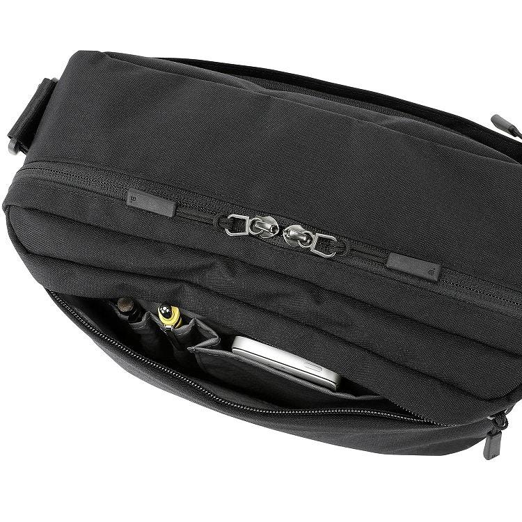 ≪ace./エース≫ ホバーライト クラシック /ショルダーバッグ 大 軽量スリムでタウンユースに最適!10inchタブレット収納 62044