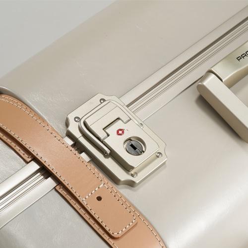 ≪Proteca/プロテカ≫ ジーニオ センチュリーs スーツケース 60リットル プロテカのプレステージモデル 滑らかな走行を実現したベアロンホイール搭載 4、5泊程度のご旅行に 00812