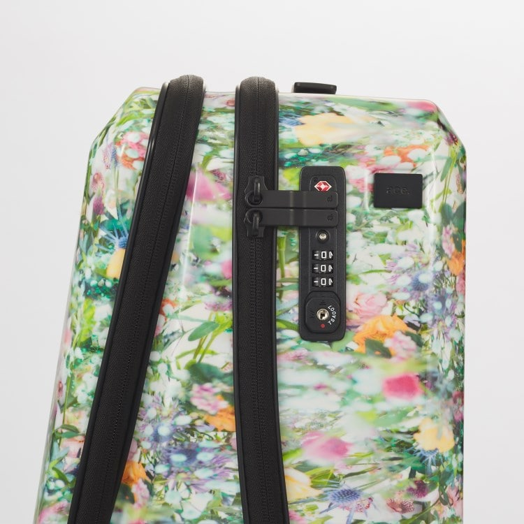 ≪ M / mika ninagawa≫ スーツケース 限定 ace.スクエアワン MN LTD  1~2泊用 出張用ビジネストローリー 機内持込対応サイズ 06576