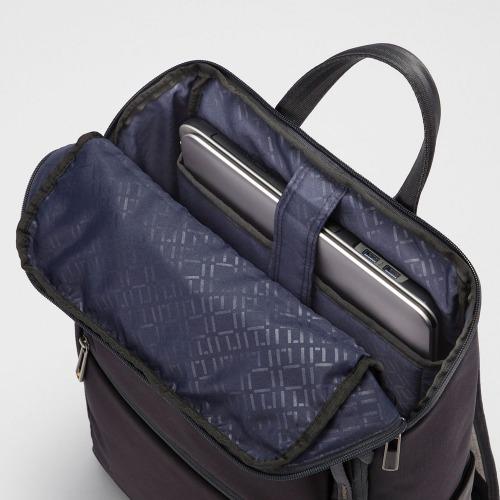 ≪ace./エース Wシールドパック≫ バックパック スクエアタイプ 15リットル 15.6インチPC&10インチタブレット/B4サイズ収納 2つの機能で大切な荷物をプロテクトするビジネスリュック 55153