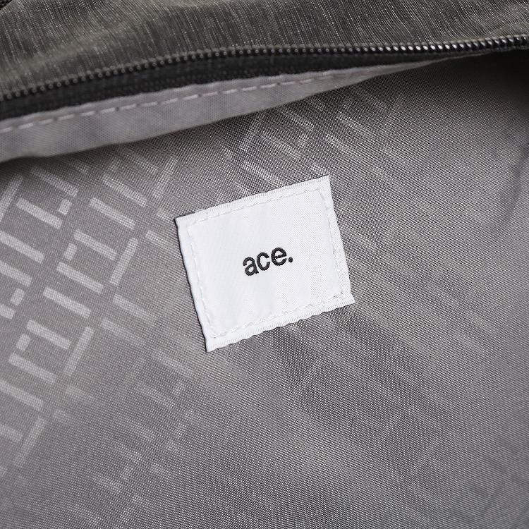 ≪ace./エース≫ フェズフォルド デイパック 13リットル 軽量リュックサック 55645