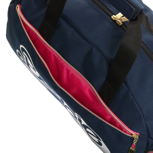 ≪Barbie/バービー≫ ジェシカ ボストンバッグ 修学旅行や合宿に! 90sロゴがキュートなカジュアルボストンバッグ 57124