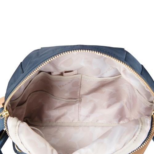 ≪カナナプロジェクト コレクション≫ショルダーバッグ☆ライゼ シリーズ 日常使う小物が入り、普段使いしやすいサイズ 55372