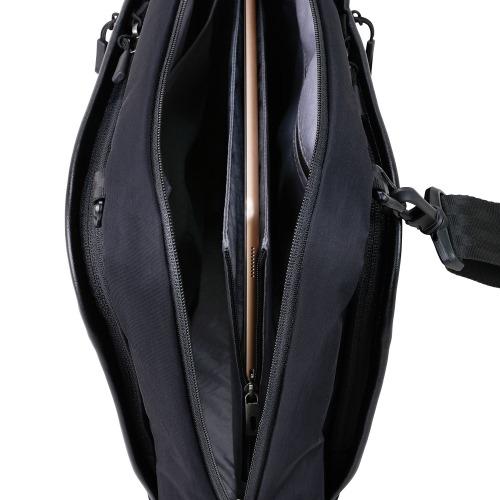 ≪ace. シンメトリー≫ ショルダーバッグ ヨコ型 左右どちらに掛けても使えるショルダーバッグ A4サイズ 10インチタブレット収納 59864