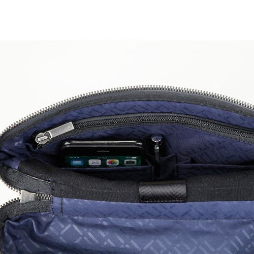 ≪ace. クロビレット≫ スリングバッグ タテ型 B5ファイル収納 7.9インチタブレット収納 ショルダーバッグ 59881