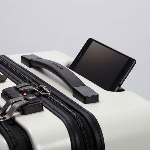 ≪プロテカ マックスパス スマート≫ 充電やトラッキング機能などを搭載した日本発の国産スマートラゲージ 2~3泊用 39リットル -機内持込最大級容量- フロントポケット/静かで滑らかなベアロンホイール搭載 02771