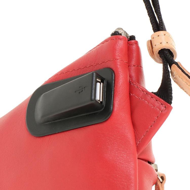 ≪ace./エース≫ スポーベル LEC サコッシュ USBポート搭載 モバイルバッテリーとスマートフォンを接続可能! 薄マチショルダーバッグ 38114
