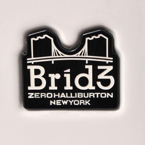 ≪ZEROBRIDGE/ゼロブリッジ≫ モントローズ スーツケース 32リットル ファスナータイプ 機内持込対応サイズ 印象的なグラデーションカラー/キャスターストッパー搭載 06431