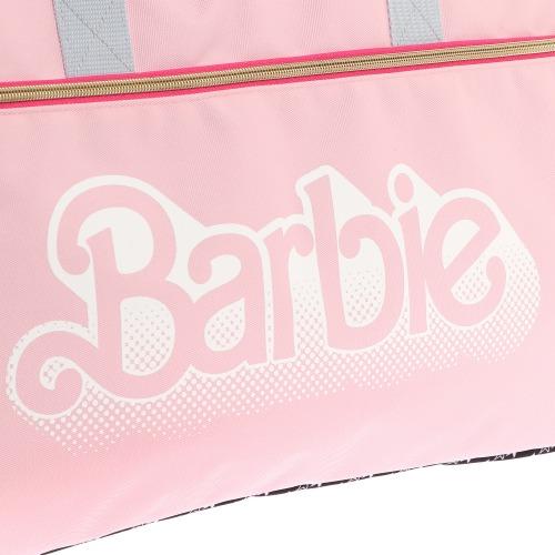 ≪Barbie/バービー≫ ジェシカ ボストンバッグ 大容量で修学旅行や合宿に! 90sロゴがキュートなカジュアルボストンバッグ 57125