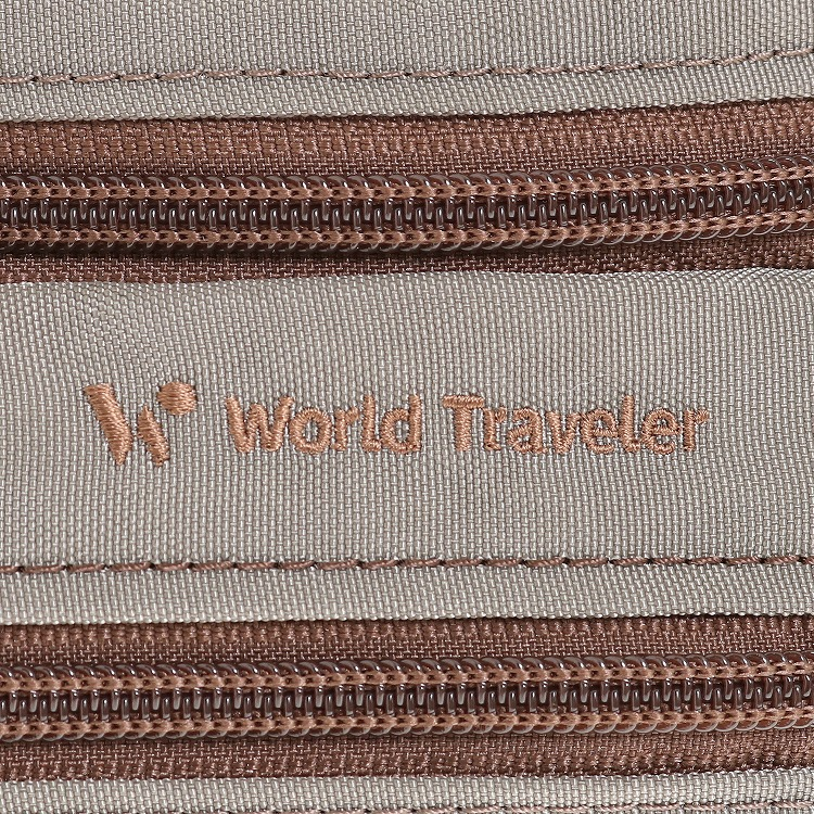 ≪World Traveler/ワールドトラベラー≫ カペラ ショルダーバッグ 身体にフィットしやすい舟形タイプ 男女兼用で使いやすい軽量ショルダー 57183