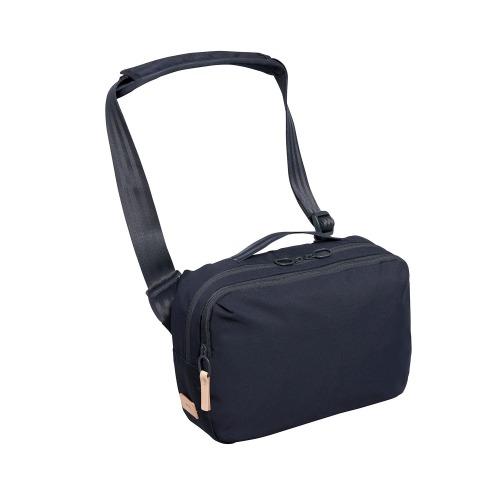 ≪ace. ジョガベル≫ ボディバッグ ワンショルダーバッグ タブレット収納 59611